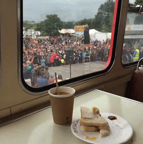 Glastonbury-2016-Double-Decker-Breakfast